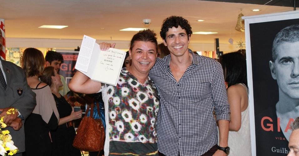 13.dez.2012 - O promoter David Brazil prestigiou o lançamento da biografia