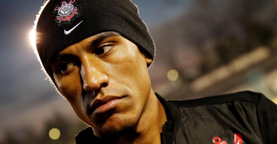14.dez.2012 - Paulinho participa do treino do Corinthians em Yokohama dois dias antes da final do Mundial de Clubes