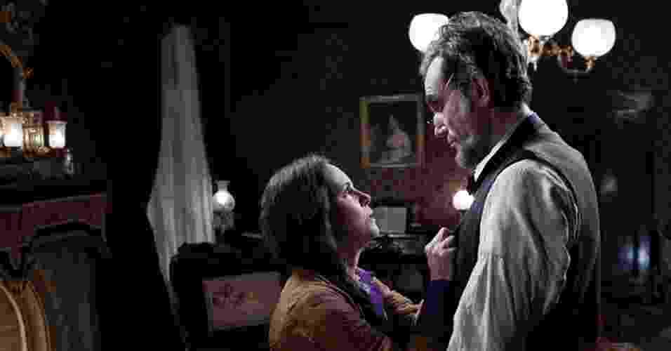 """Sally Field e Daniel Day-Lewis em cena de """"Lincoln"""", de Steven Spielberg - Divulgação"""