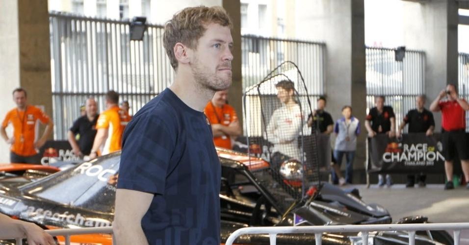 15.dez.2012 - Sebastian Vettel durante treinamento da Corrida dos Campeões, competição anual entre nações que reúne os melhores pilotos de várias modalidades do automobilismo e que ocorrerá na Tailândia em 2012