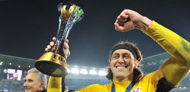 Justiça determinou a penhora de taça do Mundial de 2012, conquistado pelo Corinthians