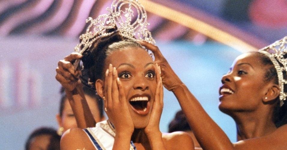 A bechuana (de Botsuana) Mpule Kwelagobe  venceu o Miss Universo 1999, realizado em Trinidad e Tobago