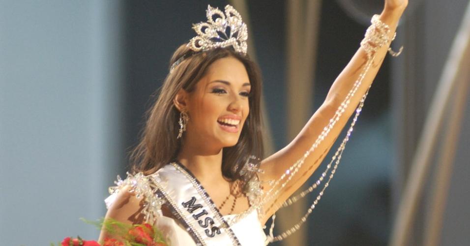A dominicana Amelia Vega venceu o Miss Universo 2003, realizado no Panamá