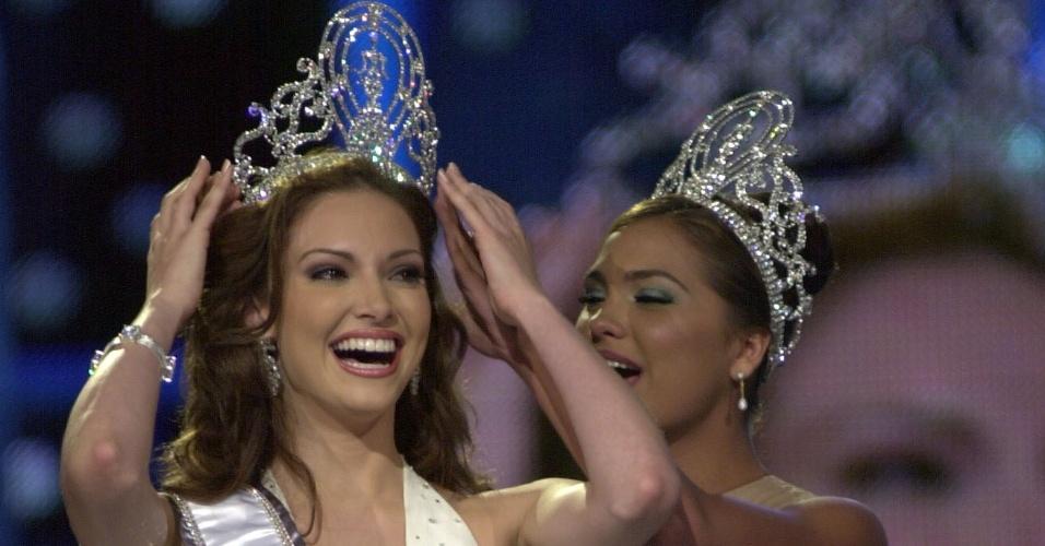 A porto-riquenha Denise Quiñones venceu o Miss Universo 2001, realizado em Porto Rico