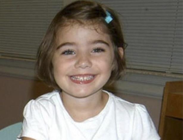 Foto sem data mostra a menina Caroline Previdi, uma das 20 crianças mortas na massacre de Newtown