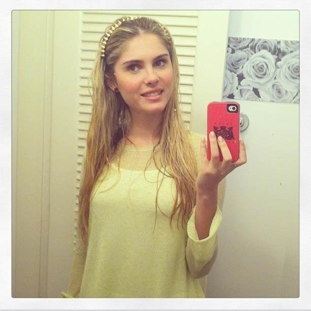17.dez.2012 - Bárbara Evans divulga foto depois de cirurgia para colocar silicone