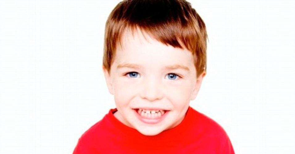 17.dez.2012 - Uma foto do Facebook mostra Dylan Hockley, uma das 20 crianças assassinadas no massacre da Escola Primária Sandy Hook