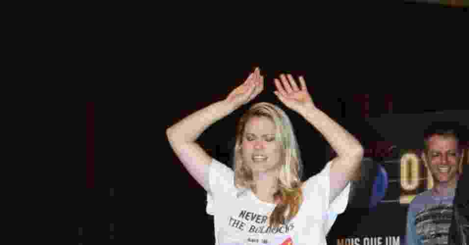 """18.dez.2012 - Karen Junqueira e o elenco do espetáculo """"Rock In Rio , O Musical"""" fizeram um ensaio para a imprensa na Cidade das Artes, localizada na zona oeste do Rio - Graça Paes/Foto Rio News"""