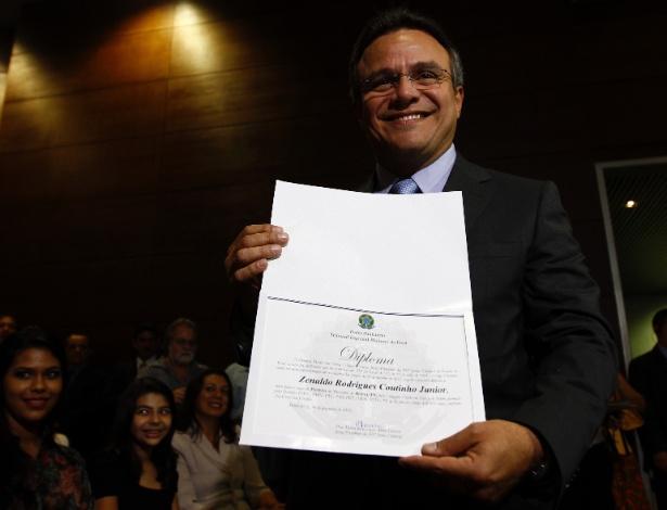 Zenaldo Coutinho (PSDB) é diplomado como prefeito de Belém, em 2012