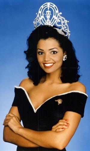 A americana Chelsi Smith venceu o Miss Universo 1995, realizado na Namíbia