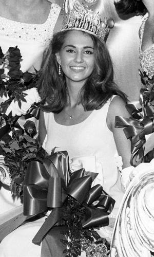 A americana Sylvia Hitchcock venceu o Miss Universo 1967, realizado em Miami, nos EUA