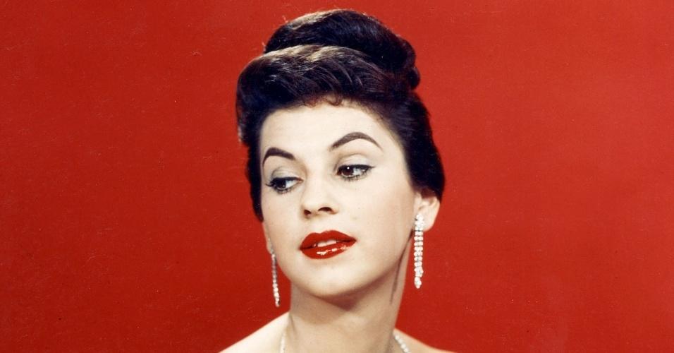 A colombiana Luz Marina Zuluaga venceu o Miss Universo 1958, realizado na Califórnia, nos EUA