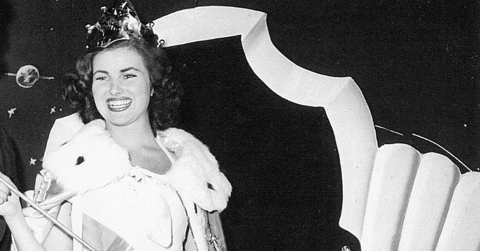 A francesa Christiane Martel venceu o Miss Universo 1953, realizado na Califórnia, nos EUA
