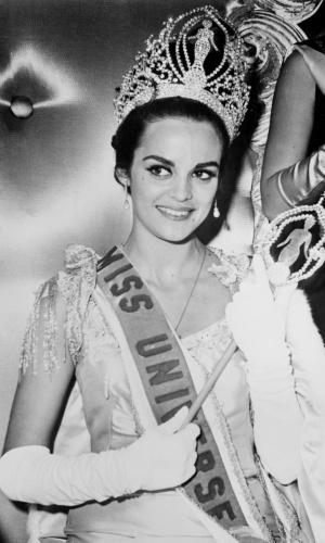 A grega Corinna Tsopei venceu o Miss Universo 1964, realizado em Miami, nos EUA