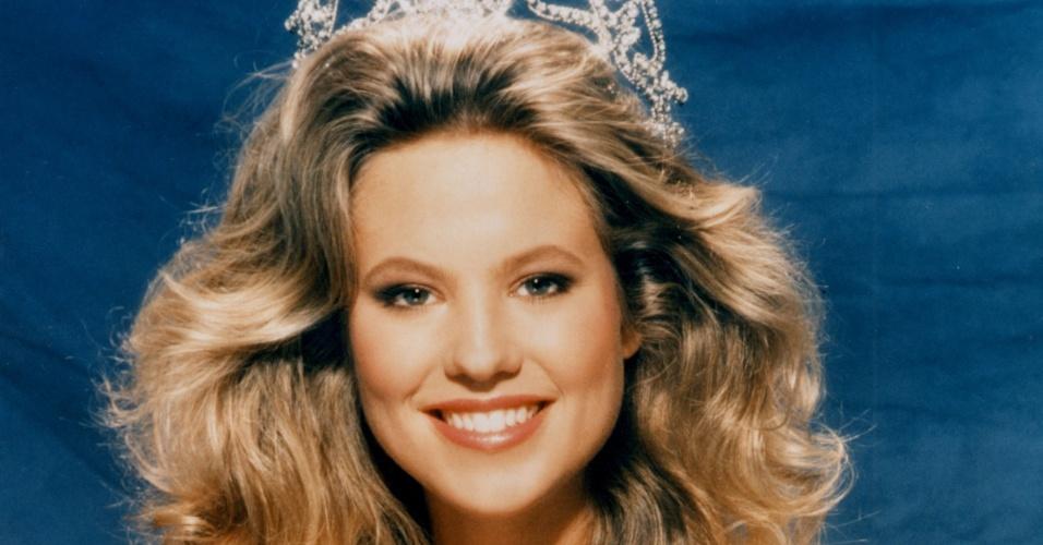 A holandesa Angela Visser venceu o Miss Universo 1989, realizado em Cancún, no México