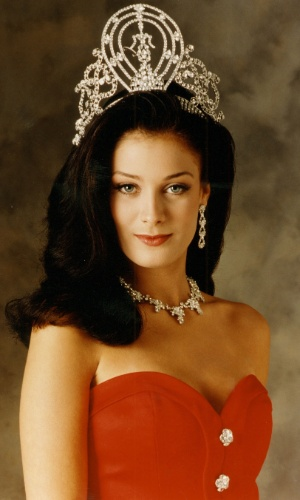 A porto-riquenha Dayanara Torres venceu o Miss Universo 1993, realizado no México