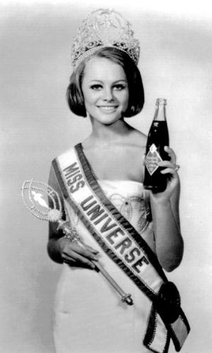 A sueca Margareta Arvidsson venceu o Miss Universo 1966, realizado em Miami, nos EUA