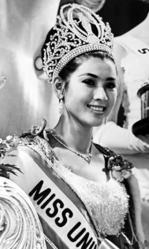A tailandesa Apasra Hongsakula venceu o Miss Universo 1965, realizado em Miami, nos EUA