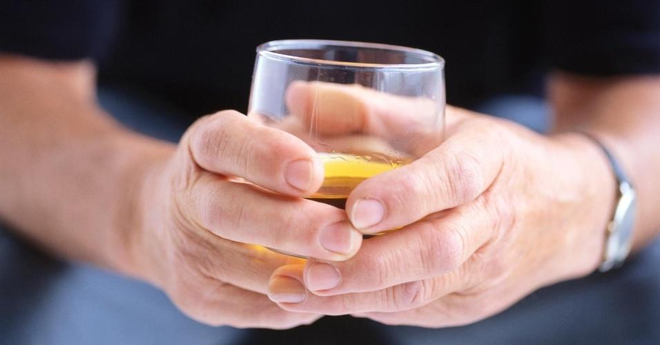 Acusa-me do alcoolismo