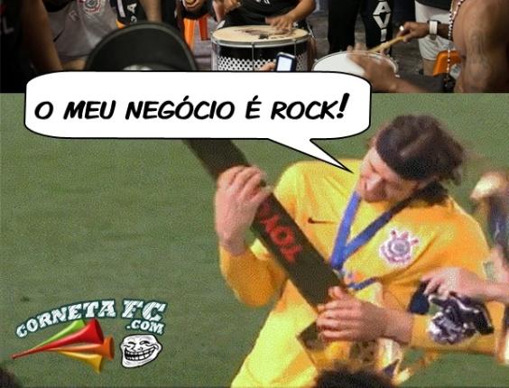 Corneta FC: Fã de Rock, Cássio sofre com pagode em festa corintiana