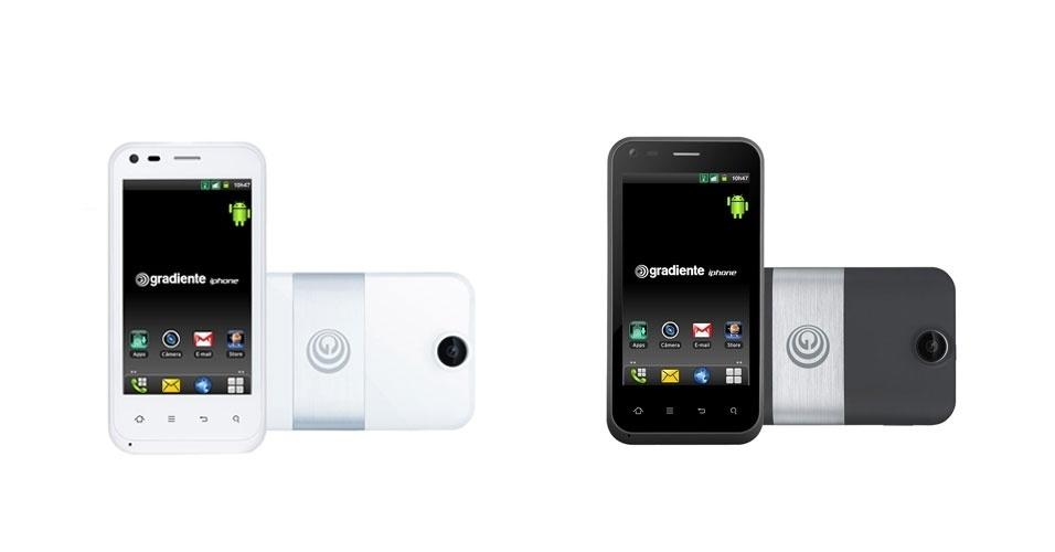 18.dez.2012 - Disponível em branco e grafite, a Gradiente passou a vender no mercado brasileiro sua linha de smartphones iphone (isso mesmo, o mesmo nome que também é utilizado pela Apple, com a diferença que as letras são todas minúsculas). Segundo a marca, eles detêm o registro do nome no Brasil. O aparelho tem tela sensível ao toque de 3,7 polegadas, sistema Android 2.3, câmera de 5 megapixels e suporte a dois chips. No site da Gradiente, o iphone é vendido por R$ 599