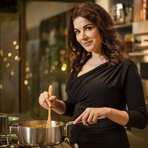 Receitas de livros da chef Nigella Lawson foram incuídas na pesquisa da Universidade de Newcastle - BBC