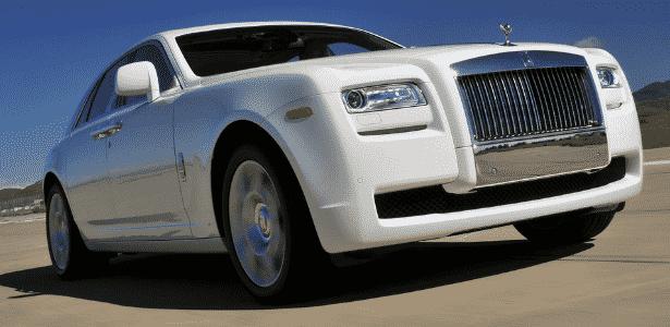 O Rolls-Royce Ghost dos endinheirados, limpinho, limpinho e pronto para ser exposto em shopping - Divulgação
