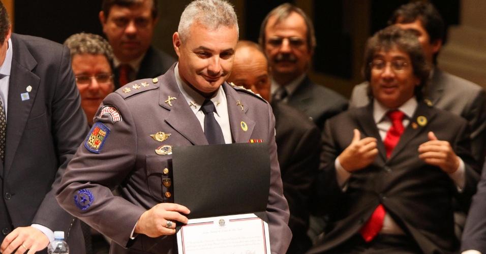 19.dez.2012 - A vereador eleito de São Paulo, coronel Telhada (PSDB), é diplomado em cerimônia realizada na  Sala São Paulo, na praça Júlio Prestes, em São Paulo (SP)