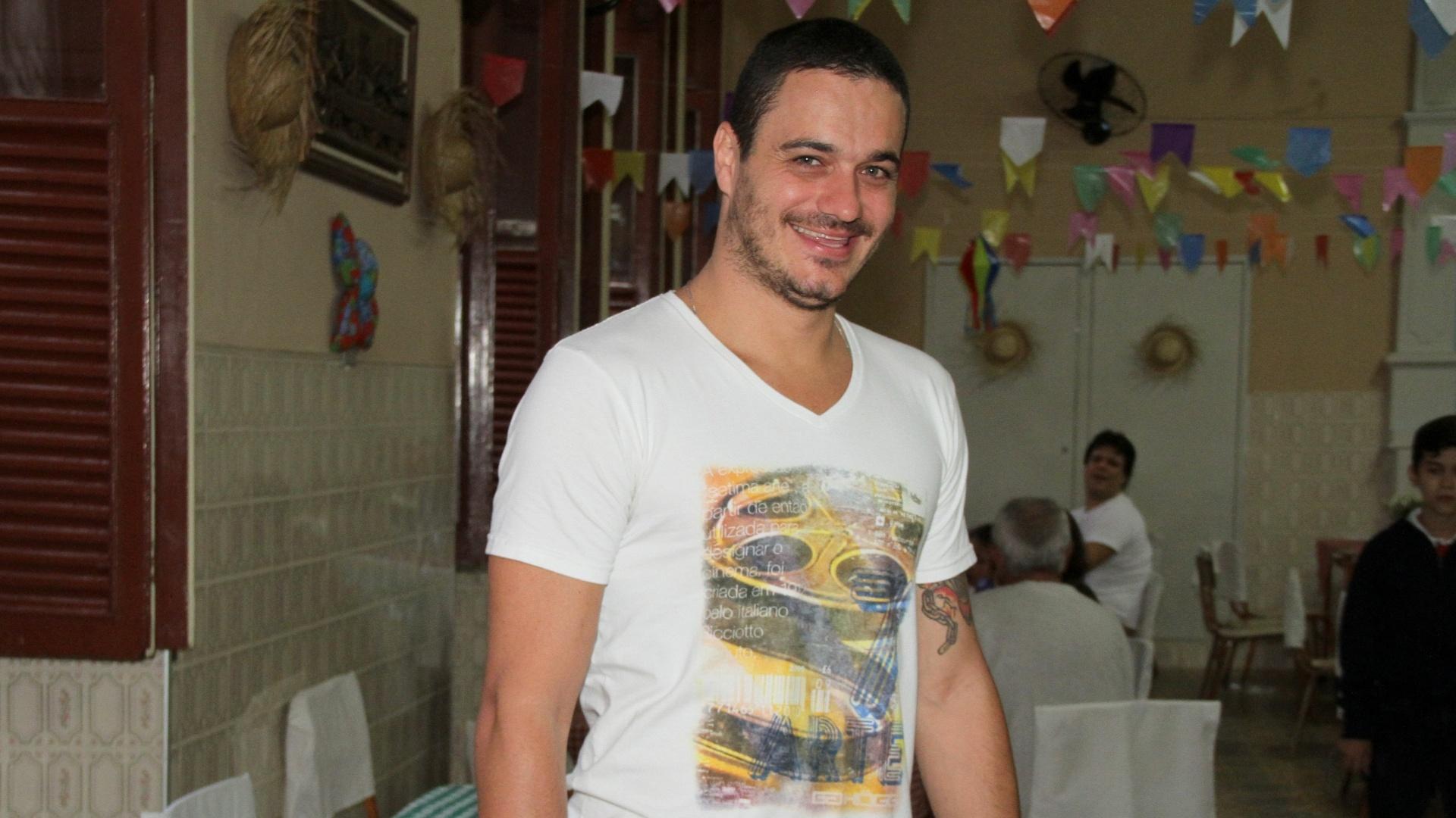 16.jul.2012 - Ex-BBB 12 Rafa em festa junina do Educandário Romão Duarte, no Rio de Janeiro