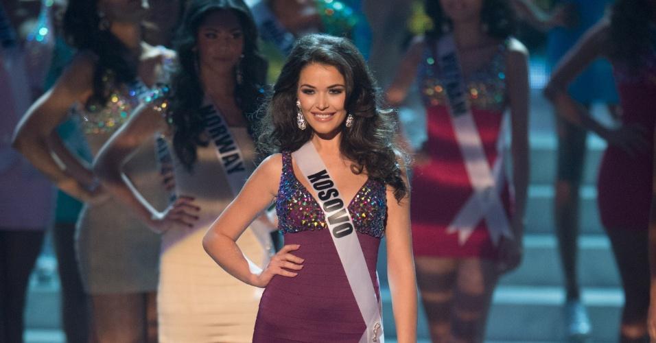 19.dez.2012 - Miss Kosovo, Diana Avdiu, se apresenta no Miss Universo 2012 realizado no hotel Planet Holywood, em Las Vegas. Ela está entre as 16 finalistas do concurso
