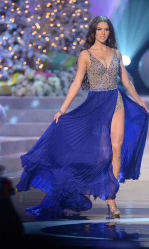 19.dez.2012 - Miss Rússia, Elizabeth Golovanova, desfila com traje de gala no Miss Universo 2012, realizado no hotel Planet Holywood, em Las Vegas