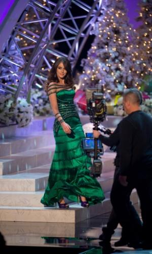 19.dez.2012 - Miss Venezuela, Irene Esser, desfila com traje de gala no Miss Universo 2012, realizado no hotel Planet Holywood, em Las Vegas. A candidata venezuelana foi aprovada no Top 5 do concurso