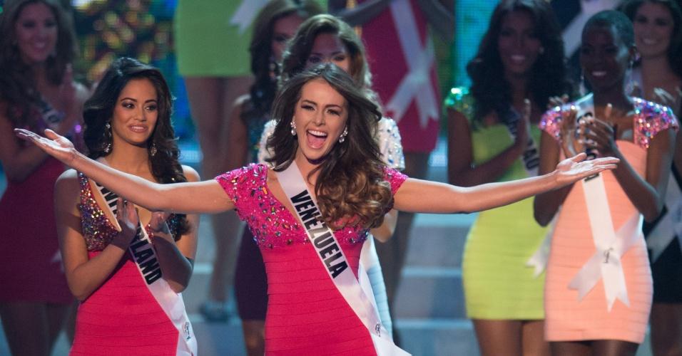 19.dez.2012 - Miss Venezuela, Irene Esser, se apresenta no Miss Universo 2012 realizado no hotel Planet Holywood, em Las Vegas. Ela está entre as 16 finalistas do concurso