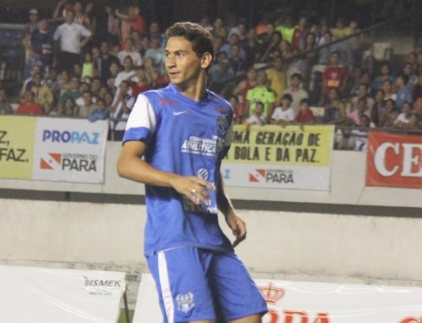 19.dez.2012 - O meia Paulo Henrique Ganso protagonizou na quarta-feira o quarto Jogo das Estrelas em Belém, no estádio Mangueirão
