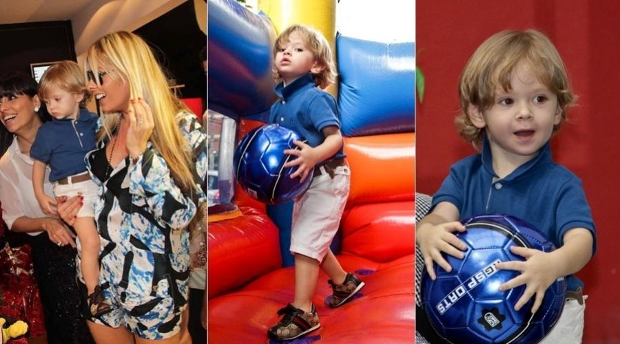 20.dez.2012 - Acompanhada do filho Vittorio, Adriane Galisteu prestigiou um evento natalino para as Crianças da Fundação Ação Criança, em São Paulo