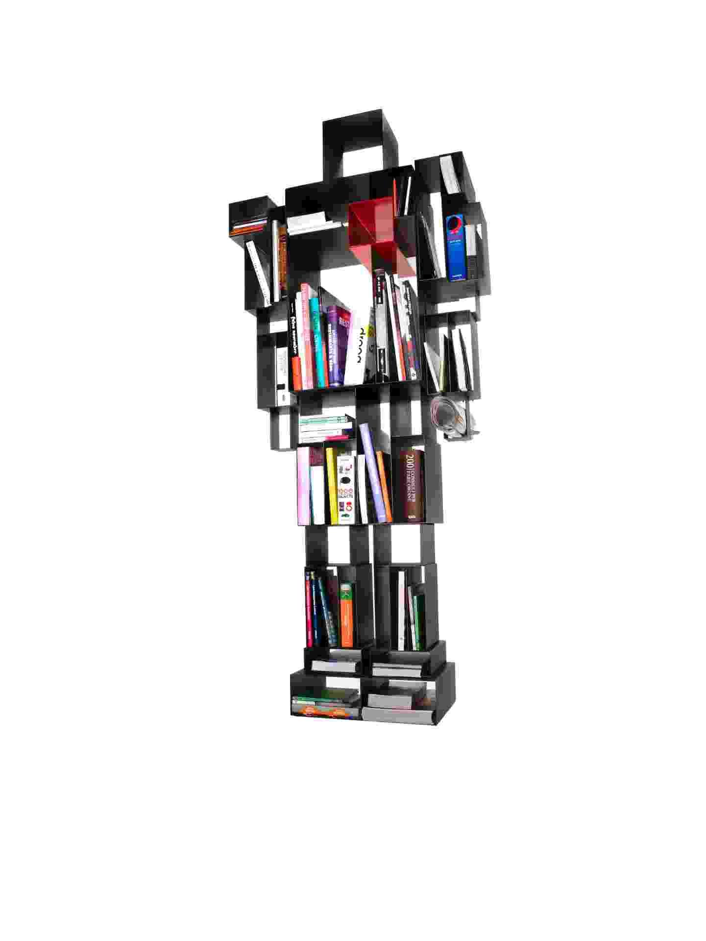 Da marca italiana Casamania, a estante Robox é vendida na Benedixt (www.benedixt.com.br) por R$ 17.600. A peça é fabricada em metal e mede 78 cm por 184 cm I Preços pesquisados em dezembro de 2012 e sujeitos a alterações - Divulgação