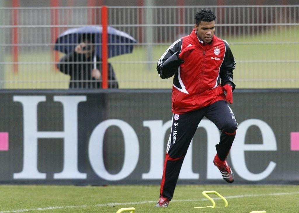21.dez.2012 - Zagueiro Breno participa de treinamento no Bayern de Munique em 2008, na Alemanha