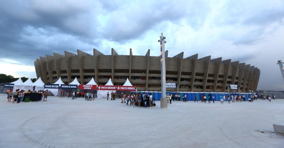 21.dez.2012- O Mineirão foi aberto aos torcedores nesta sexta-feira (21/12) após as obras para a Copa do Mundo de 2014