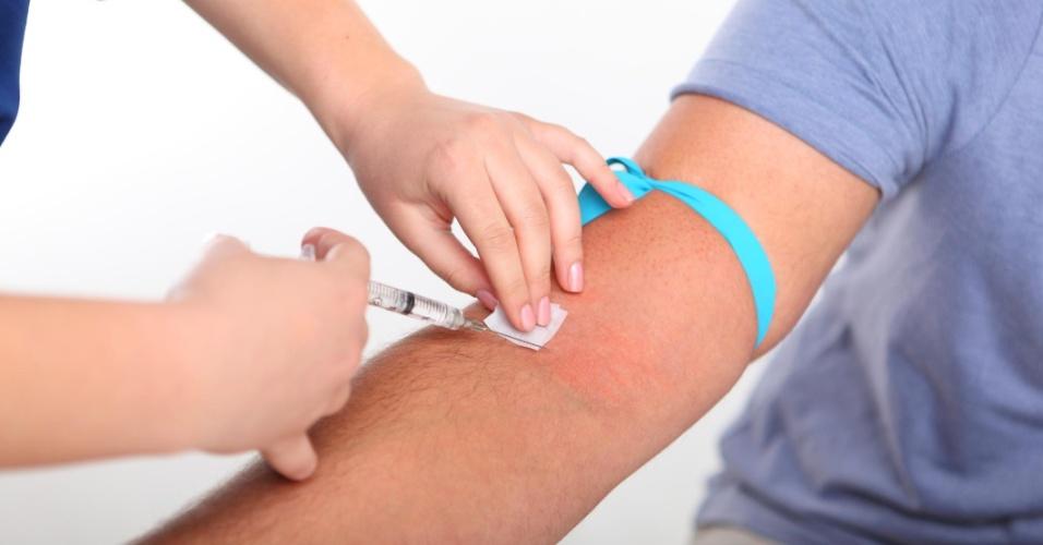 enfermagem; enfermeiro; injeção; administração de remédio; profissional de saúde