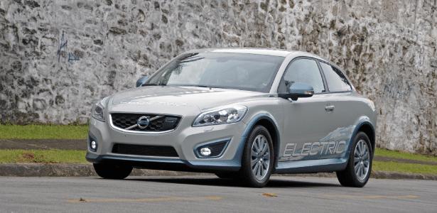 """A Volvo diz que o C30 Electric é o """"passo mais importante da marca rumo à eletrificação de seus modelos""""  - Murilo Góes/UOL"""