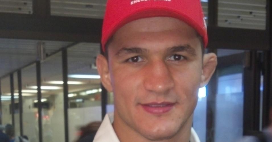 Júnior Cigano embarca para Las Vegas, onde luta o UFC 155