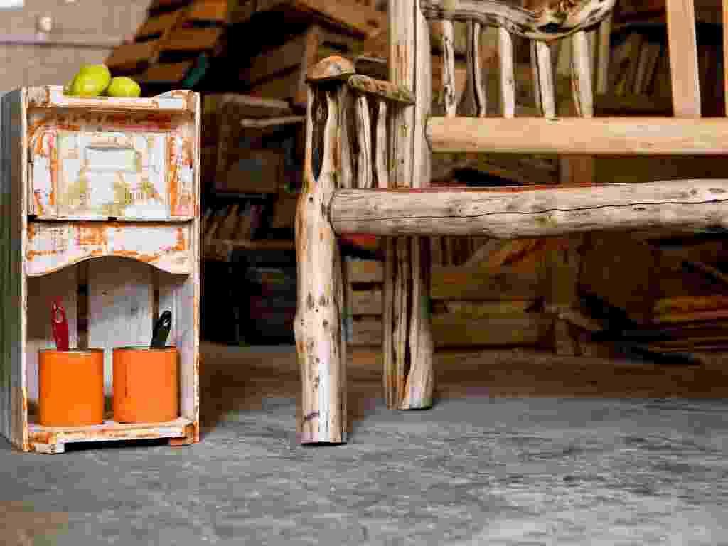 Passo a passo: gaveteiro com caixotes de madeira - Leandro Moraes/ UOL