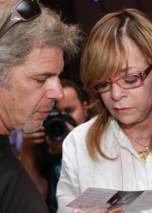 Em dezembro de 2012, Glória Perez e Raul Gazolla comparecem à missa dos 20 anos da morte de Daniella Perez - Raphael Mesquita/Foto Rio News