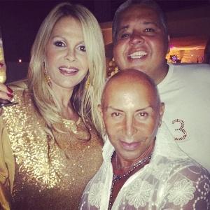 31.dez.2012 Monique Evans postou foto da sua festa de Réveillon: