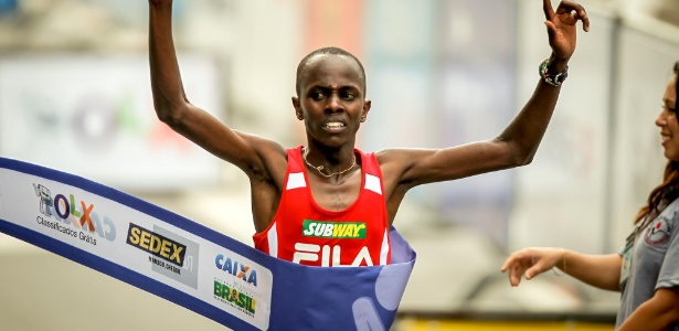 Campeão da última São Silvestre, queniano Edwin Kipsang terá vinho na virada do ano - Leandro Moraes/UOL