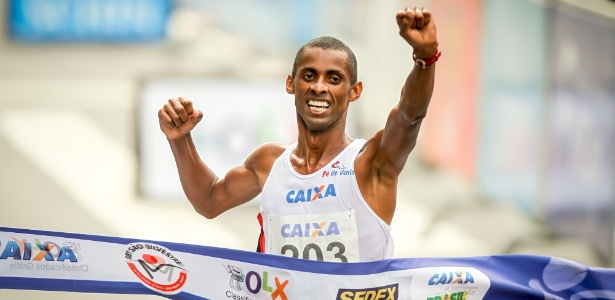 Giovani dos Santos responde queniano que se considera favorito - Leandro Moraes/UOL