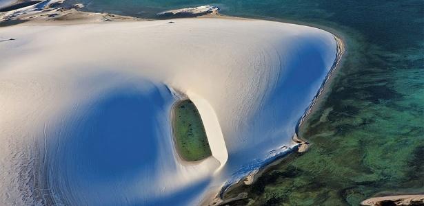 Imagem aérea dos Lençóis Maranhenses, na época da chuva - Ita Kirsch/BBC