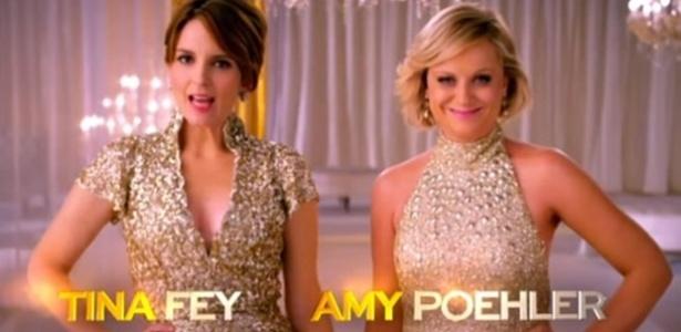 As comediantes Tina Fey e Amy Poheler, que apresentarão o Globo de Ouro 2013 - Reprodução