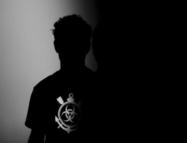 03.jan.2013-Alexandre Pato fez ensaio com a camisa do Corinthians para o anúncio de sua contratação