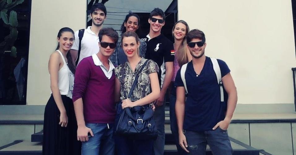 André, o último a direita, com seus amigos modelos.